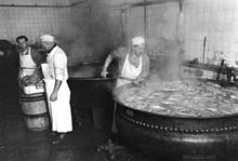 Preparazione di Leberwurst a Berlino (1948)