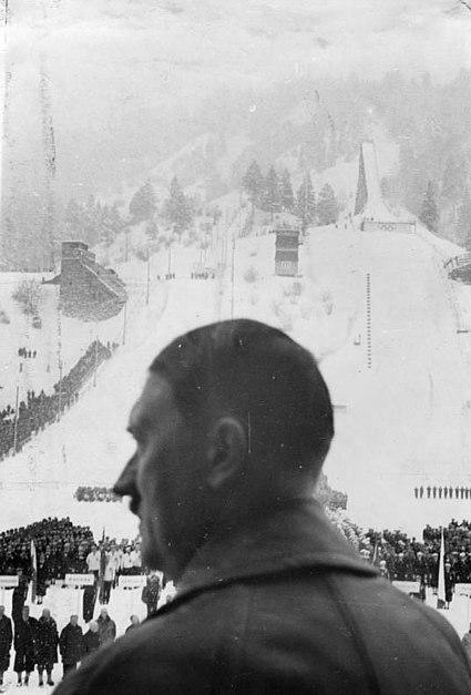 File:Bundesarchiv R 8076 Bild-0002, Olympische Winterspiele, Eröffnung.jpg
