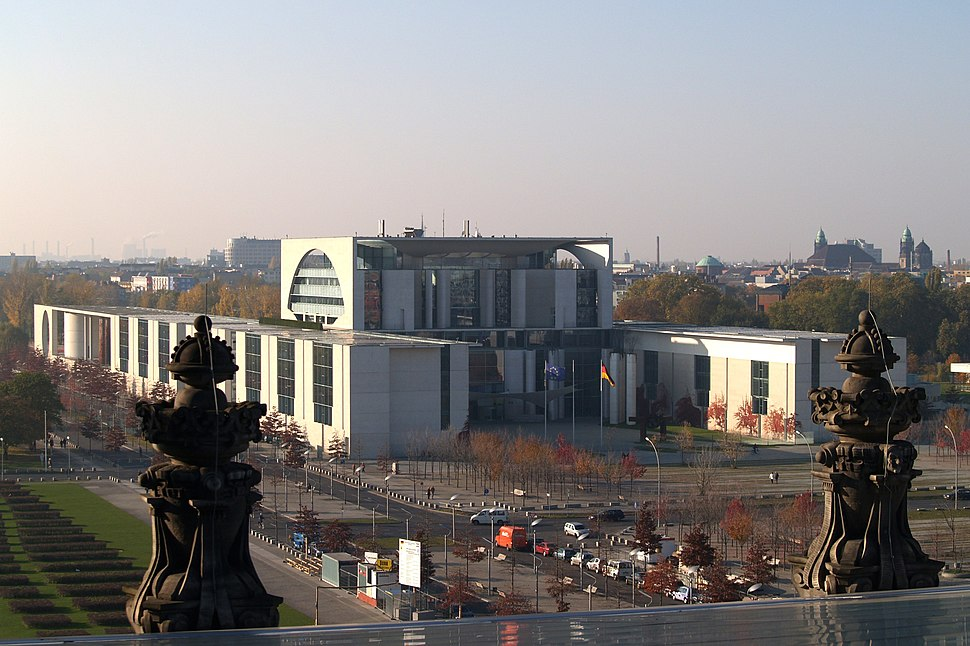 Bundeskanzleramt from Reichstag