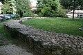 Burg Bommersheim Ringmauer.jpg