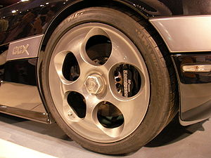 Koenigsegg CCX - The standard magnesium-alloy rear wheel of a CCX