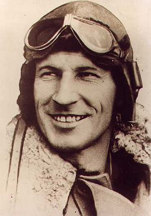 Charles Kingsford Smith - Kingsford Smith in his flying gear