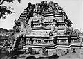 COLLECTIE TROPENMUSEUM Een tempel op de Candi Lara Jonggrang oftewel het Prambanan tempelcomplex TMnr 10030038.jpg