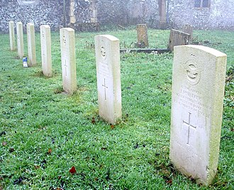Little Massingham - Graves of RAF aircrew at St. Andrew's