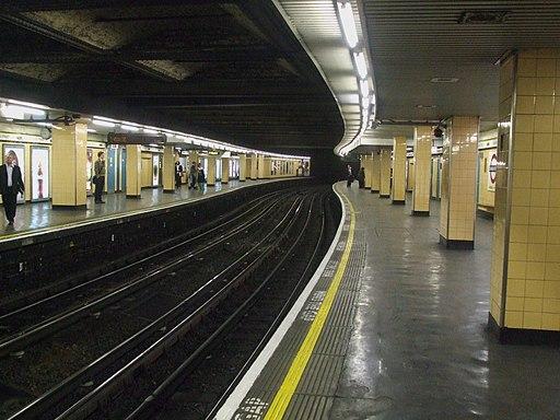 Cannon Street tube stn look east