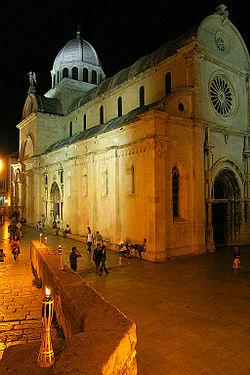 Cathédrale-Saint-Jacques-Sibenik-2.jpg