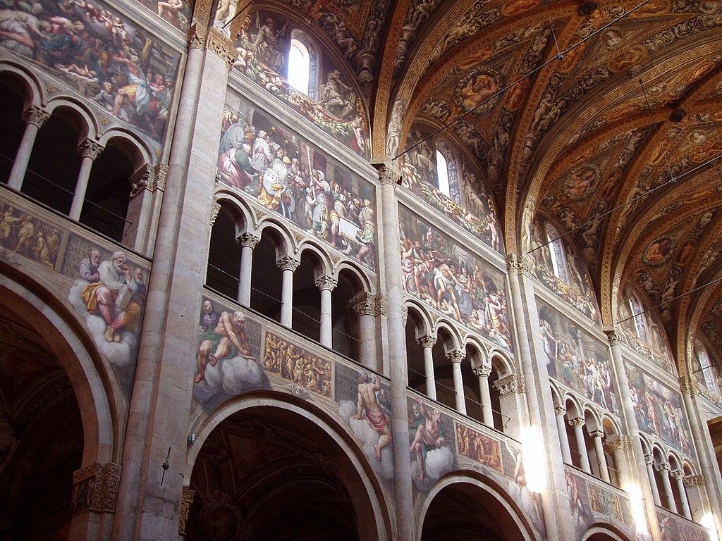 Кафедральный Собор Пармы интерьер