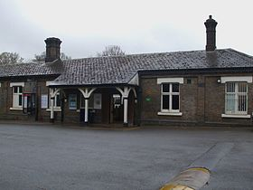 Chalfont & Latimer station building.JPG