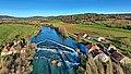Champagne-sur-Loue, le moulin Neuf et son barrage en V sur la Loue.jpg