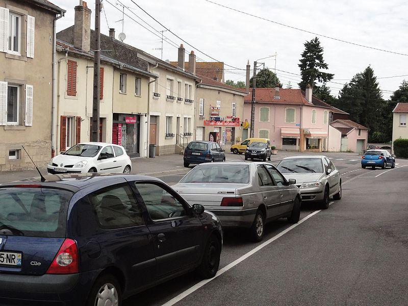 Chanteheux (M-et-M) rue principale, commerces