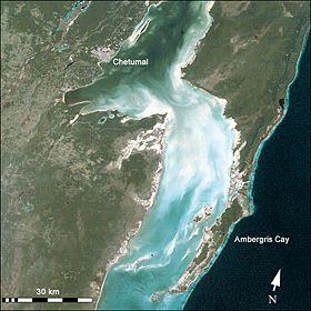 Спутниковый снимок бухты Четумаль