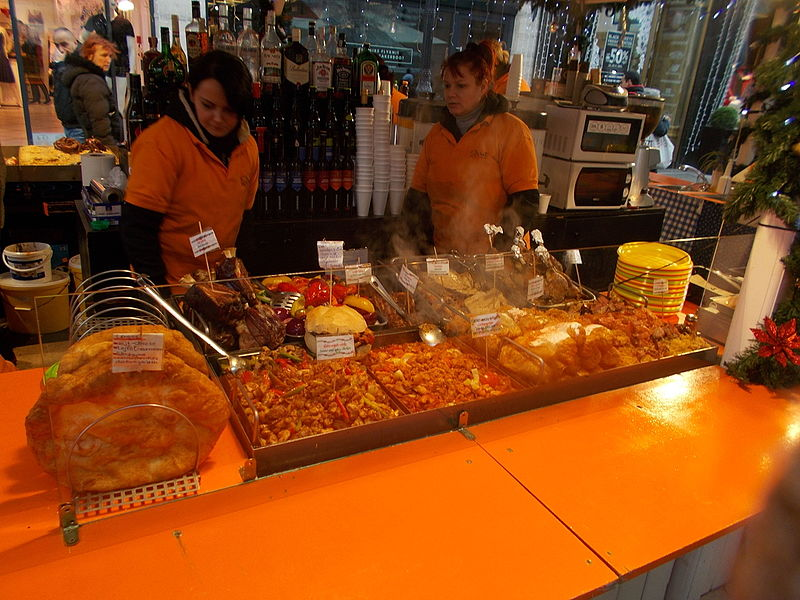 File:Christmas market in 2015 Deák Street. Lángos. - Budapest.JPG
