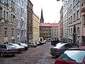 Chvalova, od Kubelíkovy, věž svatého Prokopa.jpg