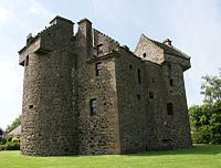 Claypotts castle 01.jpg