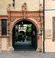 Colmar maison tetes portail.jpg