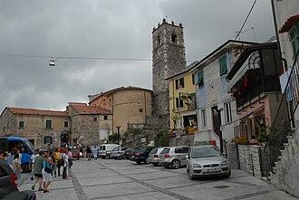 Colonnata - Central square of Colonnata