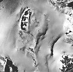 Cooper Glacier, bergschrund and firn line of valley glacier, September 17, 1966 (GLACIERS 6460).jpg