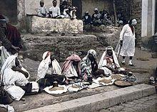 Venditori di cuscus a Tunisi (1899).