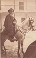Cura Santa Cruz a caballo.png