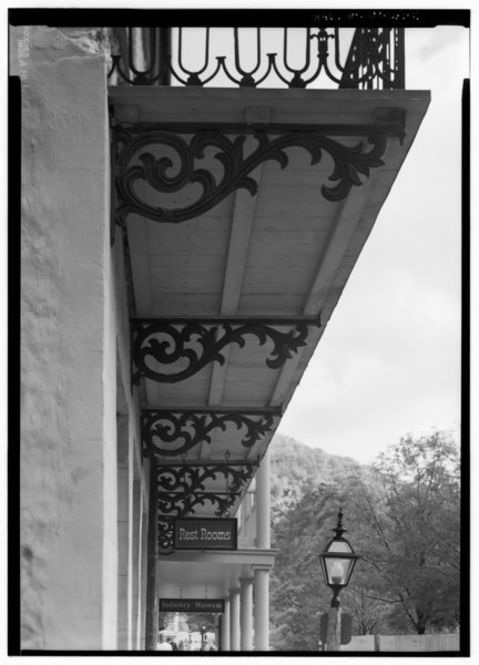 File:DETAIL VIEW FROM SOUTH OF CAST IRON BALCONY BRACKETS - Masonic Hall, Shenandoah Street, Harpers Ferry, Jefferson County, WV HABS WVA,19-HARF,36-13.tif