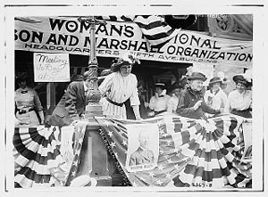 Florence Jaffray Harriman - Daisy Harriman (in white) oversees a Democratic rally in Union Square, New York City