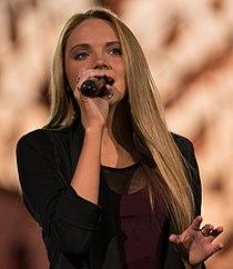 Danielle Bradbery at 25th National Memorial Day Concert 2014 crop.jpg