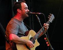 Dave Matthews performing in 2009