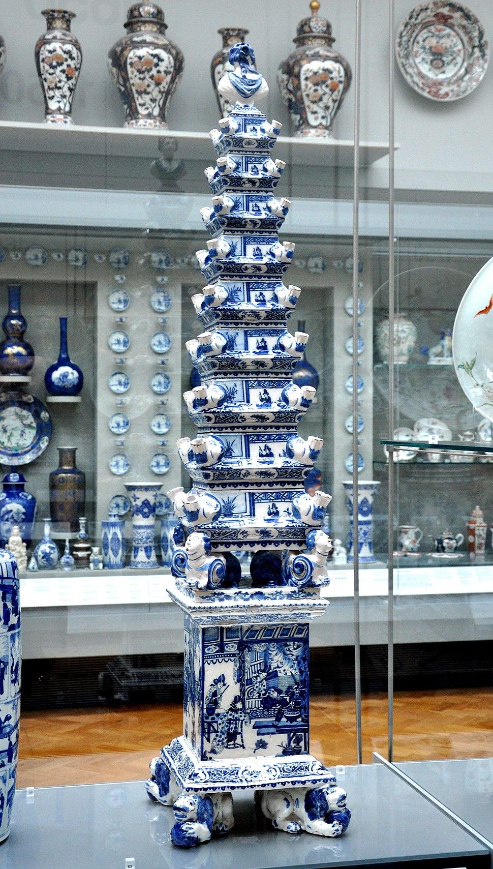 Delft Flower pyramid c1690 VA C19-1982