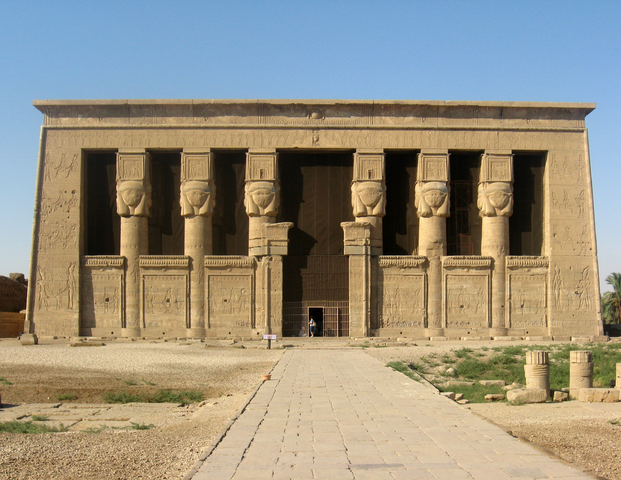 丹达拉的哈索尔神庙 via 维基百科