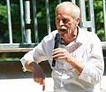 Der Gastronom Jürgen Piquardt von La Provence spricht über die Gewinner der Pfingsttafel in der Herrenhäuser Allee.jpg