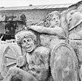 Detail van timpaan boven de voorgevel - 's-Gravenhage - 20086327 - RCE.jpg