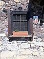Detalle de una casa en el Camino Primitivo, La Fuente, Valduno 02.jpg