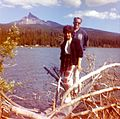 Diamond Lake and Mount Thielsen, Oregon (USA), in the late 1950s.jpg