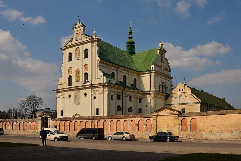 Колишній домініканський костел у Жовкві. Автор фото — Aeou, вільна ліцензія CC BY-SA 4.0