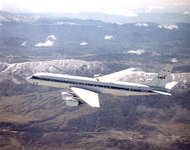 Douglas DC-8, in gebruik als vliegend laboratorium van de NASA, gestationeerd op het Dryden Flight Research Center in Californië.