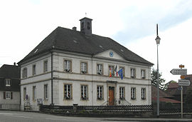The town hall and school in Durlinsdorf