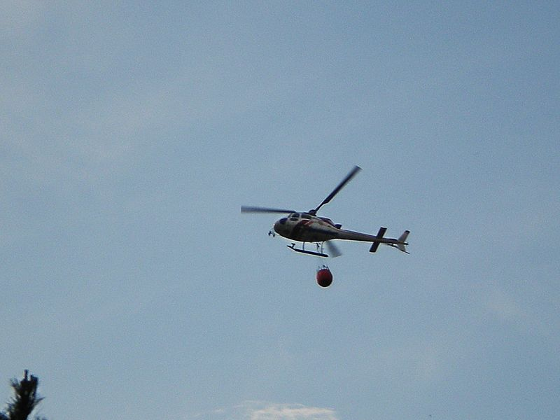 Elicottero Antincendio : File elicottero antincendio g wikimedia commons