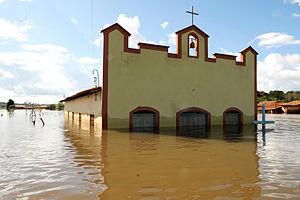 2009 Brazilian floods and mudslides - Image: Enchente em Trizidela do Vale (MA) 3