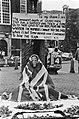 Engelsman demonstreert op Spui in Amsterdam tegen de Falklandoorlog, Bestanddeelnr 932-1834.jpg