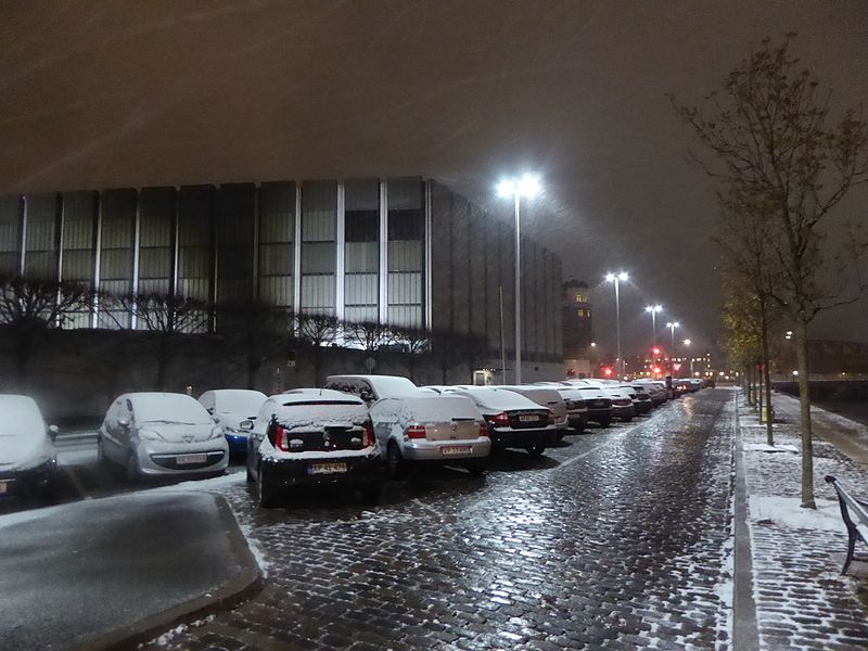 File:Evening with snow at Havnegade 01.jpg