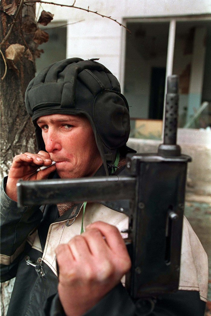 Evstafiev-chechnya-tank-helmet