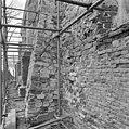 Exterieur vanaf toren 4e steunbeer zuidzijde van de kerk oostzijde beer. - Brantgum - 20039669 - RCE.jpg