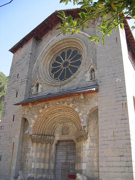 File:FR-04-Digne01.JPG Digne-les-Bains (Динь-ле-Бен), Прованс, Франция