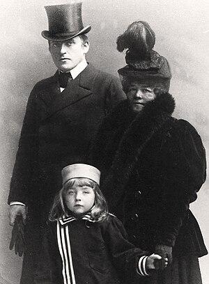 Alma Fahlstrøm - Johan and Alma Fahlstrøm with son,  Arne Fahlstrøm