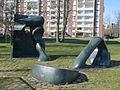 Figurer i Rosengård av Berto Marklund, skulptur i Malmö.jpg
