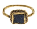Fingerring av 24 karats guld med lazursten, 1200-tal - Hallwylska museet - 110185.tif