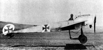 Fokker E.III - Fokker E.III taking off