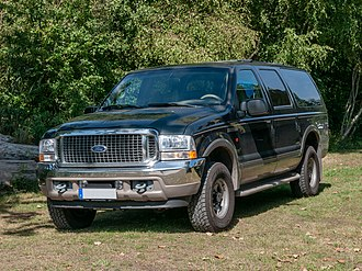Ford Excursion - Image: Ford Excursion, 12. Internationales Maritimes Fahrzeugtreffen, Ribnitz Damgarten ( 1060472)