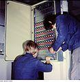 Fotothek df n-22 0000343 Elektromonteur, Brauerei.jpg