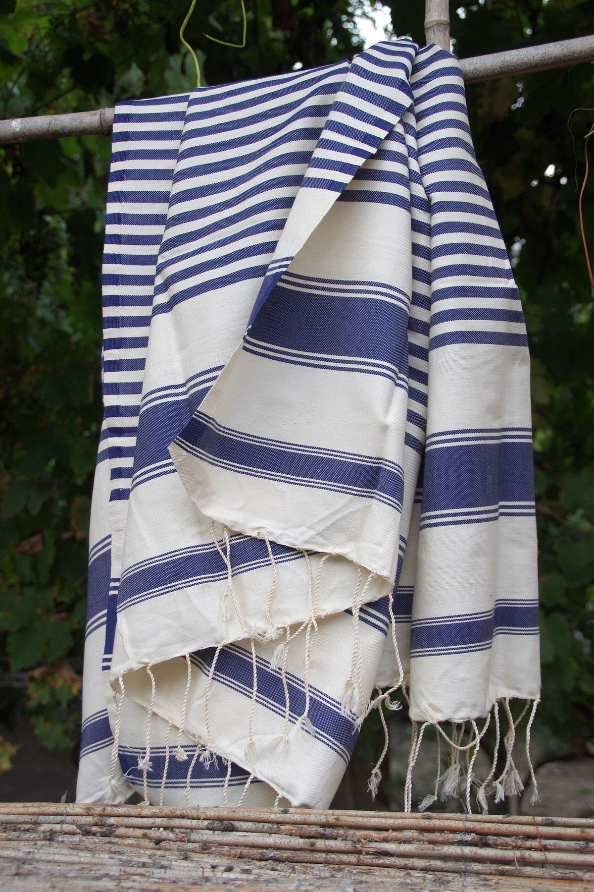 Fouta towel - Wikipedia